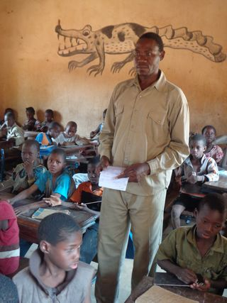 Photo of a teacher in action2