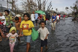 SavetheChildren_Tacloban_Typhoon_Haiyan