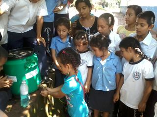 Blog El Salvador March 2014 Miguel Supporting Image 1 SHN child brigadiers with children