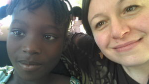 Love Dayana and her sponsor, Daniela, taking a selfie.